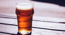 Bicchieri birra in plastica: una scelta non vale l'altra.